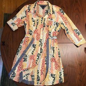 Beautiful Tommy Hilfiger cotton shirtwaist. Size L